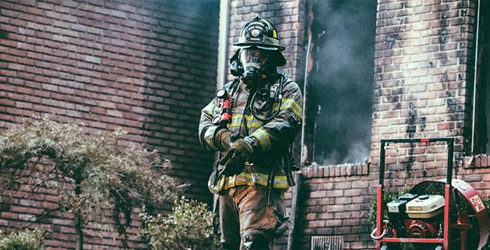 Почему нельзя возводить несгораемые здания?