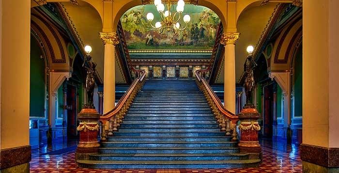 Возвращение к парадной лестнице